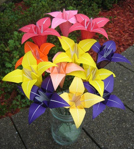 An origami bouquet, a bouquet you can keep forever!